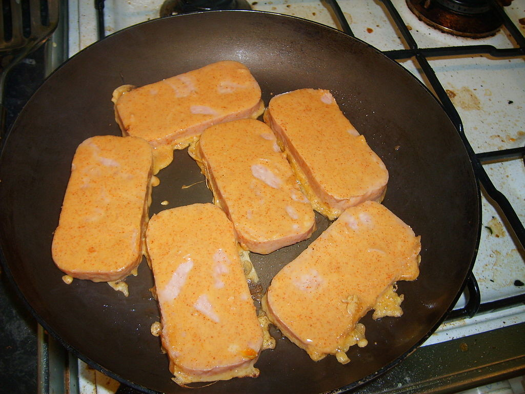 1024PX-SPAM_FRITTERS_(1126878690).JPG